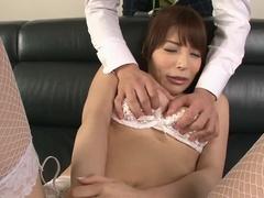Гаряча Грудаста Японська Айя Сакурай Отримала Оргазм Пальцями На Робочому Місці