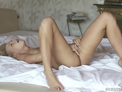 Juicy Yellow Baby In Hot Sex Video Sexy Masturbation