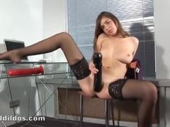 A Charming Teenage Girl Who Performs Incredible Masturbation