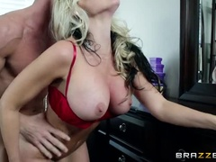 Beautiful Yellow-Haired Girl Alena Crocodile Gives A Wonderful Blow