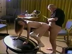 Opperste Tiener Gal Anne Howe Met Hete Sex Actie Eindigt Met Cumshot