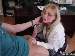 God-Shaped Busty Mom Nina Hartley Gives Her Head