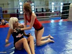 Brunett Sex Video Med Leyla Peachbloom Och Sandra Seashell